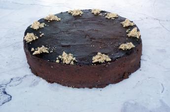 Diós csokitorta (12 szelet)